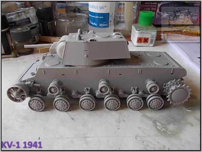 KV-1 , 1941 (terminado 14-08-15) 44ordm%20KV-1%201941%20Peazo-gato_zps1plnec40
