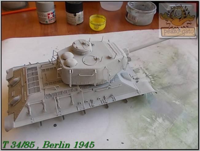 T 34/85 , Berlin 1945 (terminado 20-01-15) 96ordmT34-85peazo-gato_zps319b37d2