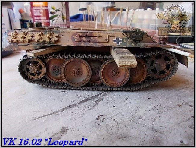 "VK 1602 ""Leopard"" (terminado 09-03-15) 97%20VK%201602%20peazo-gato_zpssgs2vpi1"