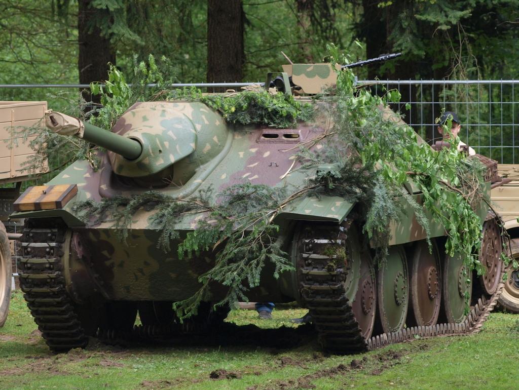 Jagdpanzer 38(t) Hetzer (terminado 14-05-15) Jagdpanzer_38t_Sd.Kfz._1382_Hetzer_baiter_pic7_zpsxqsodqaa