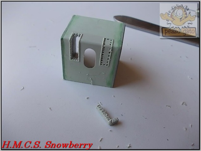H.M.C.S. Snowberry 139%20H.M.C.S.%20Snowberry%20peazo-gato_zpsan1y1xya