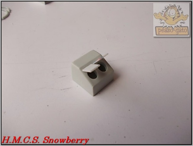 H.M.C.S. Snowberry 163%20H.M.C.S.%20Snowberry%20peazo-gato_zpsexji6lel