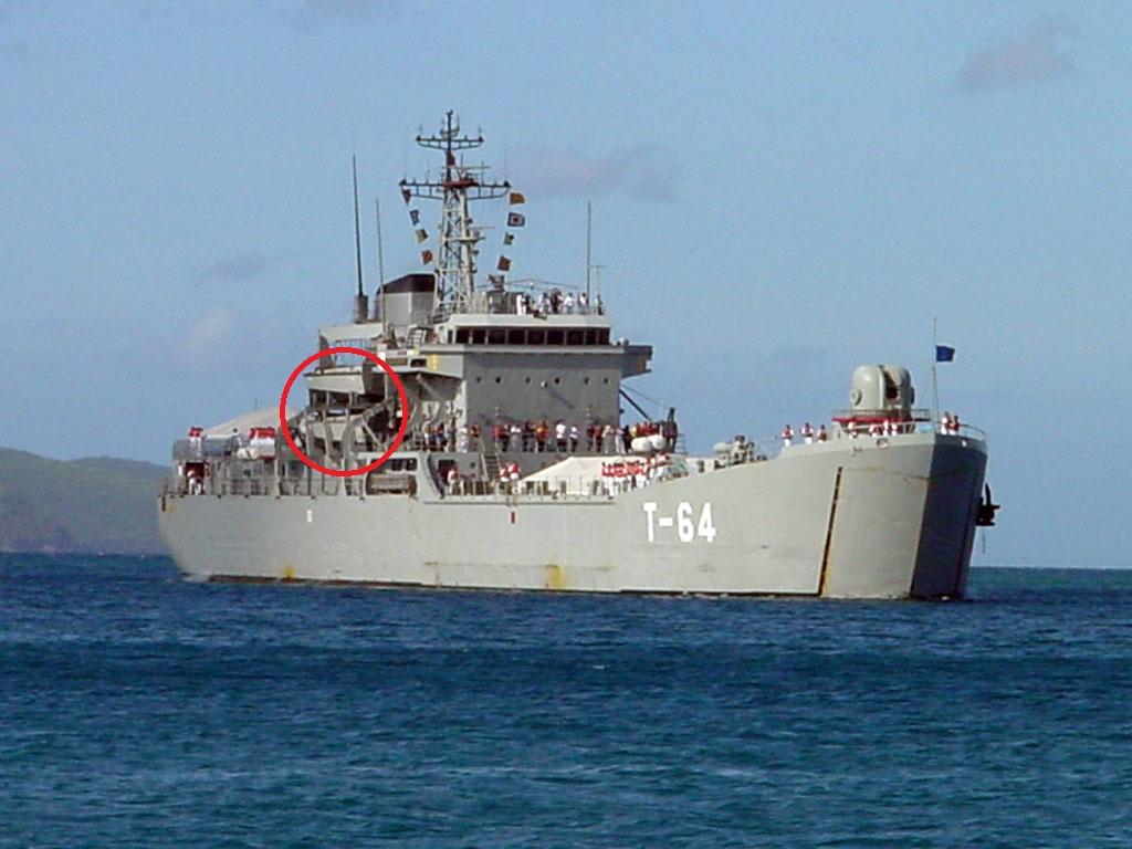 Escuadrón de buques anfibios y servicios T-64_zps84e58c14