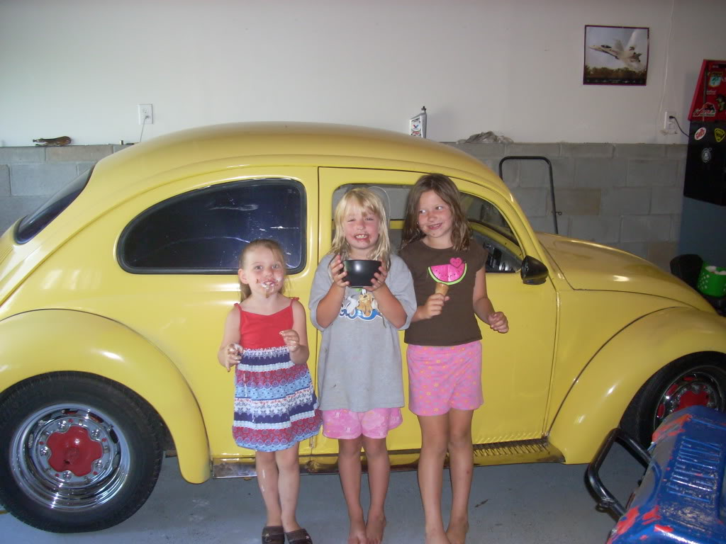 Hello check out my 59 with suicide doors - Page 6 Girsicecream003