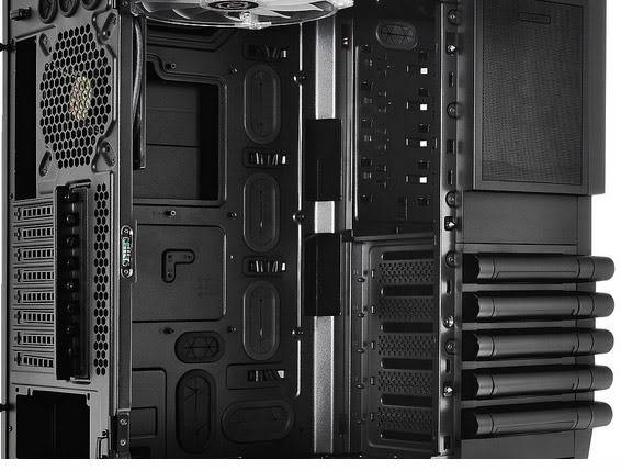 Thermaltake Level 10 GT Gaming Chassis Now Available 5-1