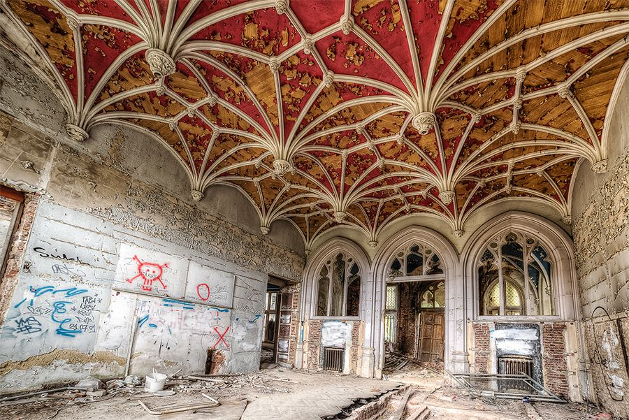 Le plafond de Miranda + vue d'ensemble  Chateau-de--miranda-b4_zps9882e6e8