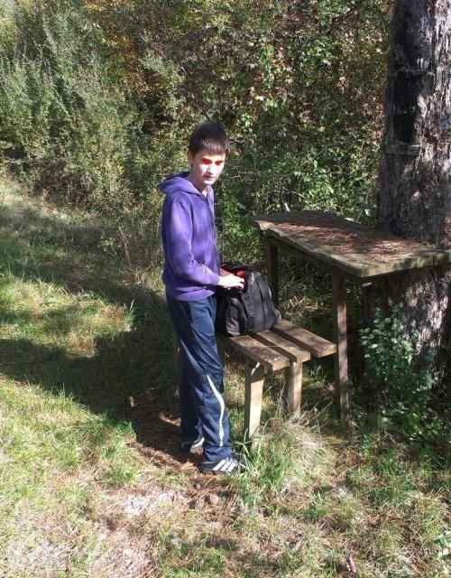 Roštilj s nećakom na brdu Humac (Otočac, 2014.) IMAG0515_1_zps2bcf6575