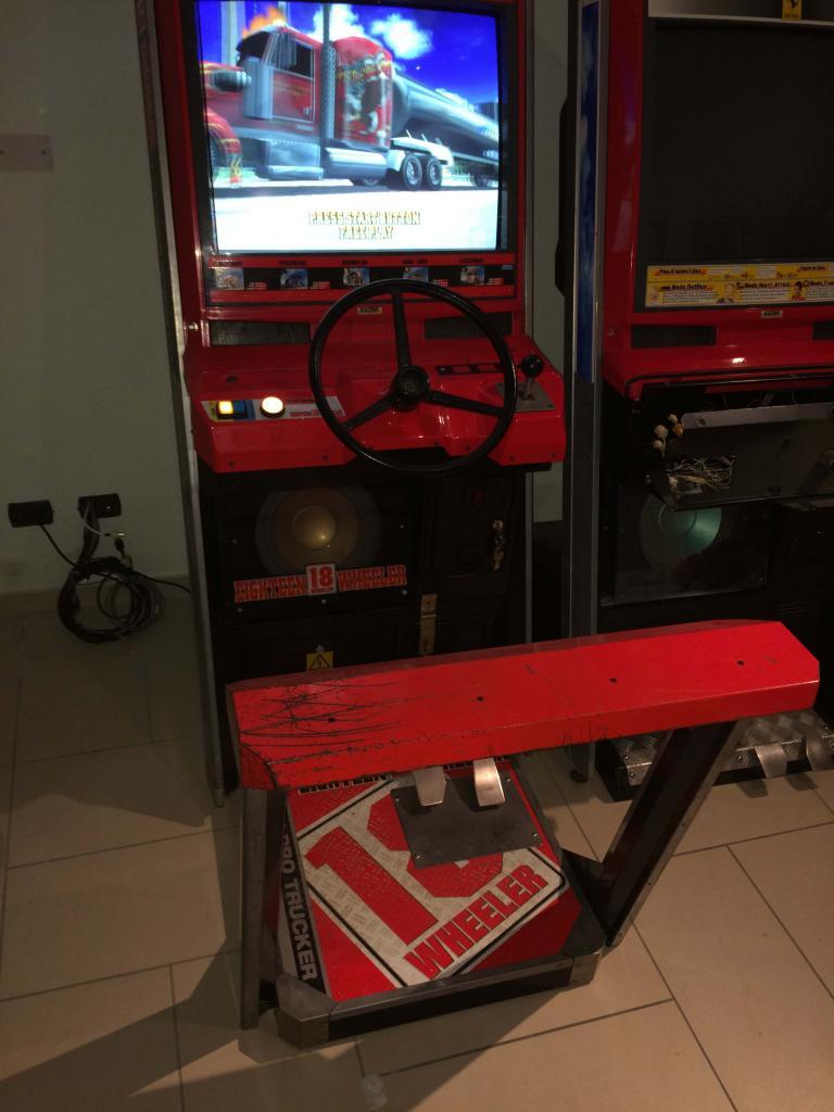 [VDS] Lupin 3 Outrun 2 Virtua Cop 3 Crazy Taxi 18W Cabinets 18Wheeler_2_zpscae31588
