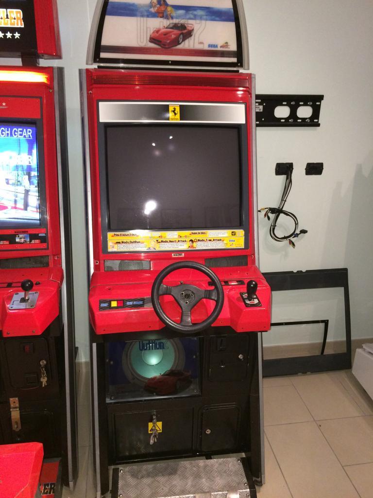 [VDS] Lupin 3 Outrun 2 Virtua Cop 3 Crazy Taxi 18W Cabinets Outrun2_1_zpsa5e3bbed