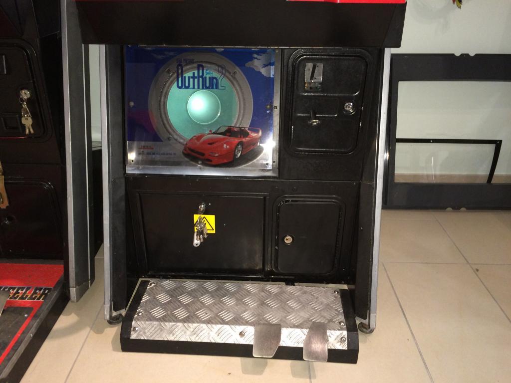 [VDS] Lupin 3 Outrun 2 Virtua Cop 3 Crazy Taxi 18W Cabinets Outrun2_2_zpse78a30c3