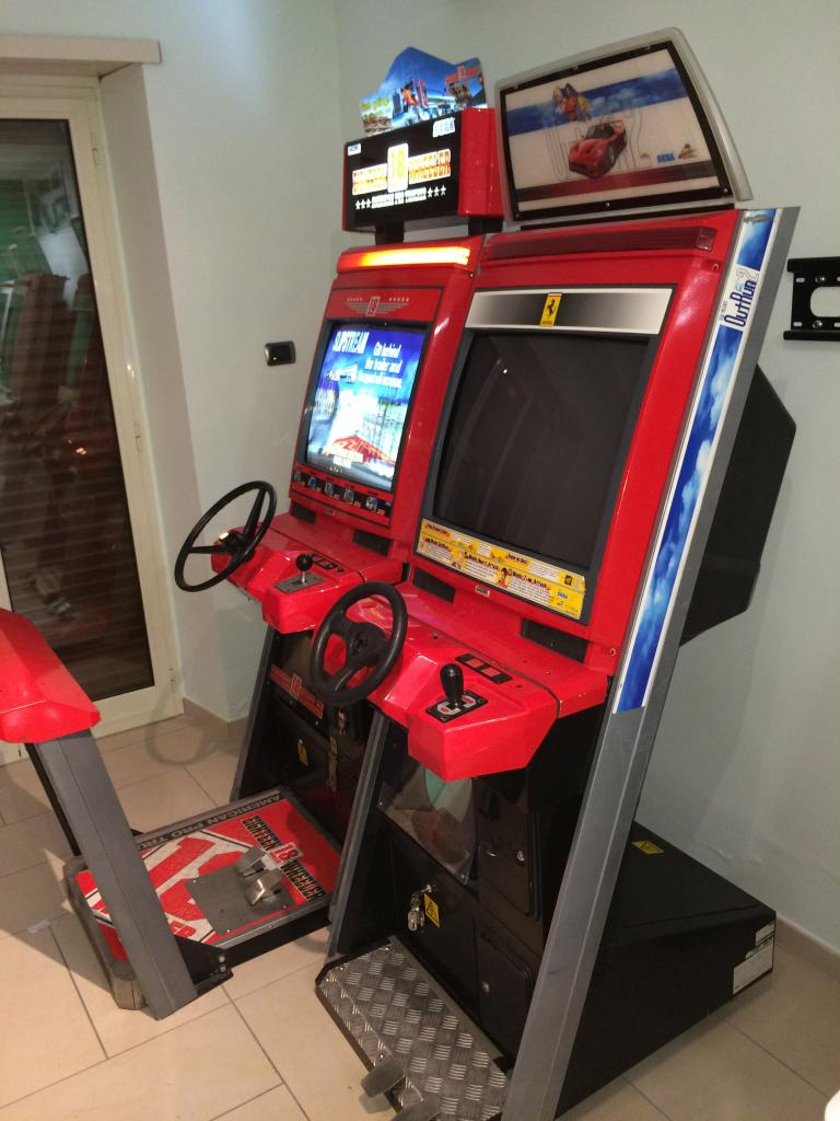 [VDS] Lupin 3 Outrun 2 Virtua Cop 3 Crazy Taxi 18W Cabinets Outrun2_4_zps6bedb173