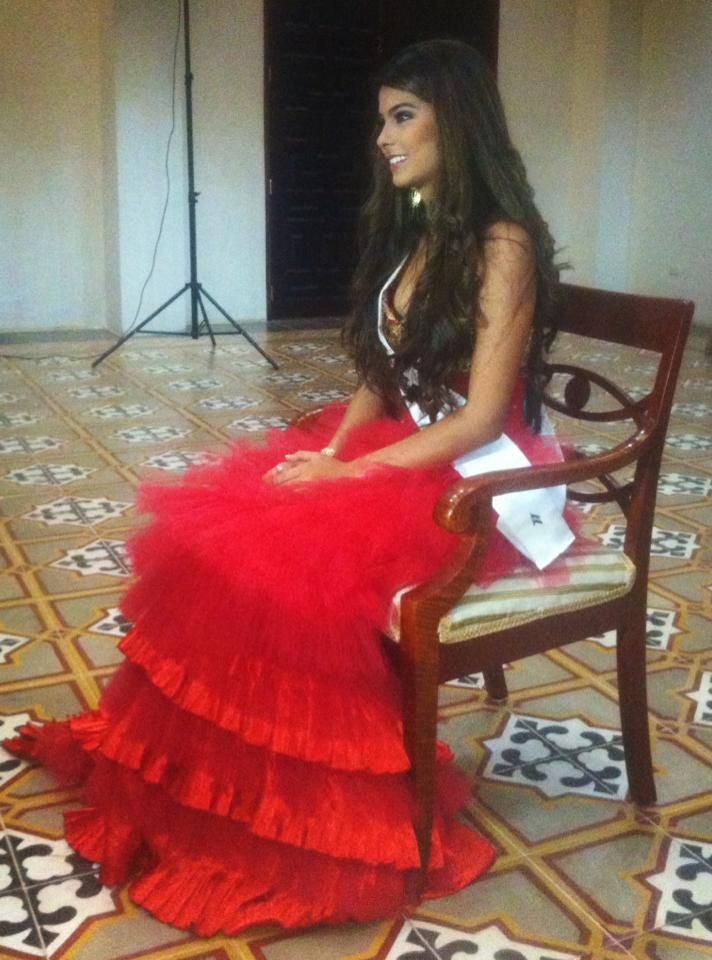 Reina Mundial del Banano 2016 Ivana Yturbe Peruacute_zpsxlsodcoy