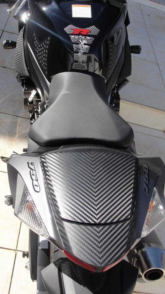 MONOPOSTO de carbono SRAD 750 2014 - Página 2 DSC01285_zps5d27be22