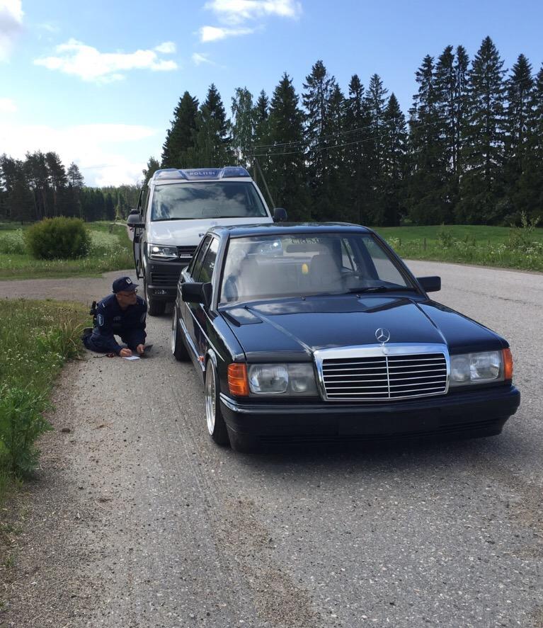 AST1: Benz W201 IMG_2930_zpsy8rylpeb