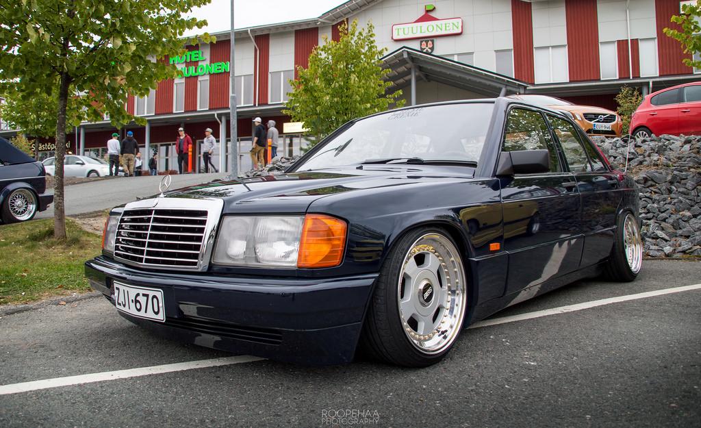 AST1: Benz W201 29929415976_e15a3535bd_b_zpskqnz2olp
