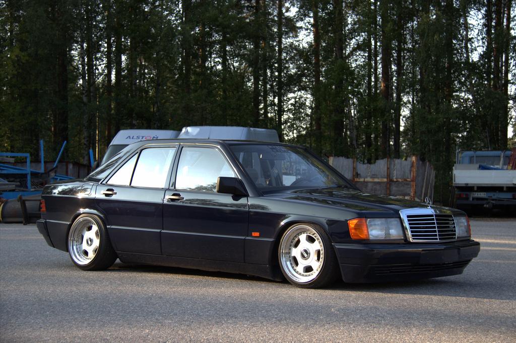 AST1: Benz W201 3_zpsal70qulw