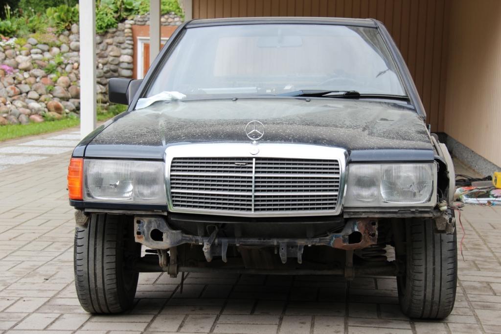 AST1: Mercedes-benz w201 IMG_1426_zps4d1590eb