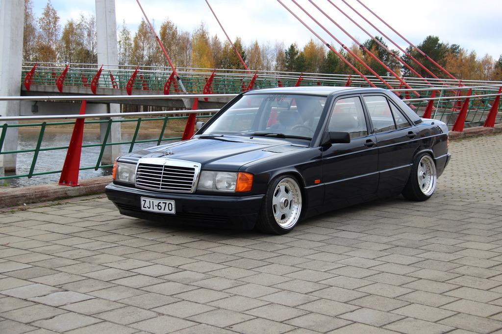 AST1: Benz W201 IMG_5187_zps0u9olyh4