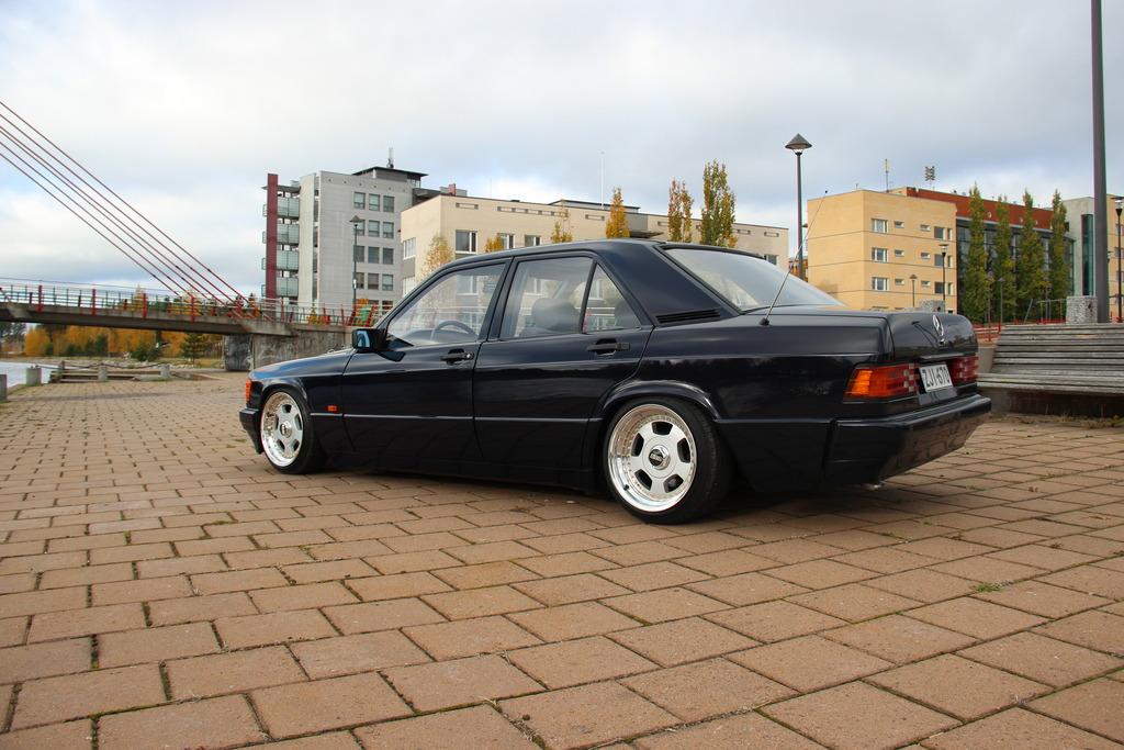 AST1: Benz W201 IMG_5194_zpszvdvzjis