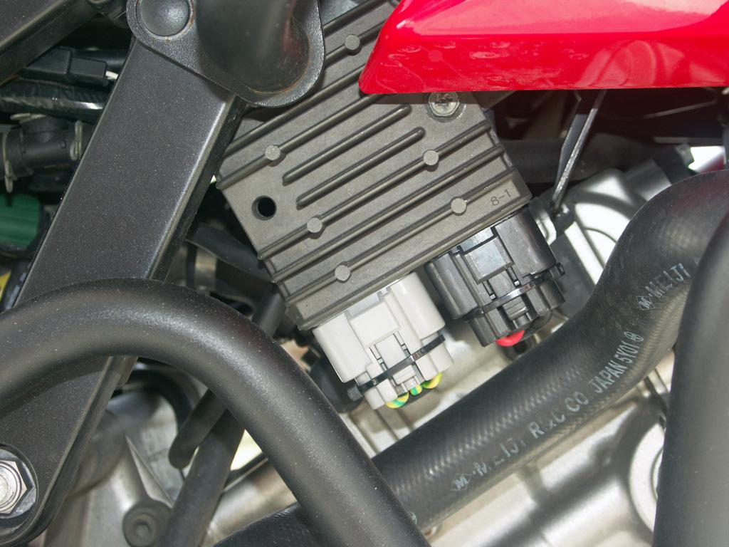 Επι τέλους εγκατέστησα Series regulator/rectifier   - Σελίδα 2 PICT0002m_zpsgn1fq8a7