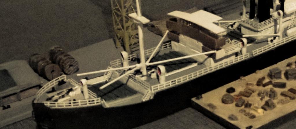 SS Eskdene de Loose cannon  au 1/700° WP_20150104_00220150104230538_zps74d251a8