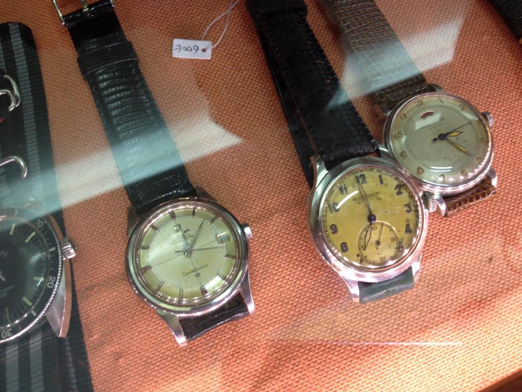 Petit Compte Rendu de Visite de la Première Bourse Horlogère de Villeneuve d'Ascq IMG_2577_zps1b5af4e7