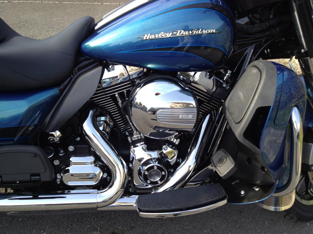 La Harley du boss IMG_2805_zps210dbef8