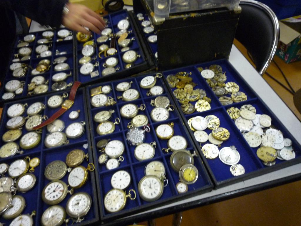 Petit Compte Rendu de Visite de la Première Bourse Horlogère de Villeneuve d'Ascq Goussets_zps1b2c1b84
