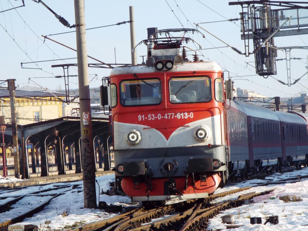 Locomotive clasa 47(476/477) aparţinând CFR Călători  613_1627_zpsaf53d263