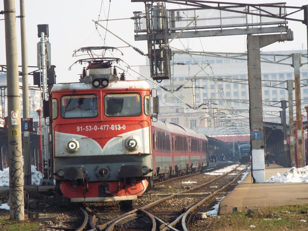 Locomotive clasa 47(476/477) aparţinând CFR Călători  613_1657_zps4nx18qfo