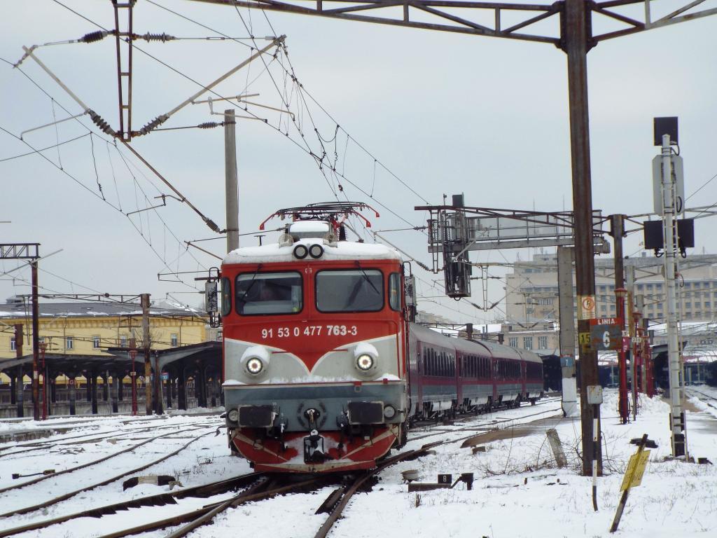 Locomotive clasa 47(476/477) aparţinând CFR Călători  763_1657_zpsnwinnyti