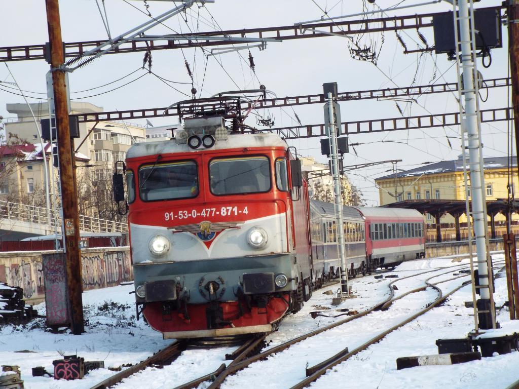 Locomotive clasa 47(476/477) aparţinând CFR Călători  871_1587_zpsc6ngdvdf