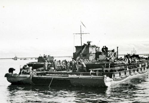 Navire non identifié PAUILLAC TROMPELOUP / Bordeaux German-siebel-ferry-500-0_zpsenoxhck2