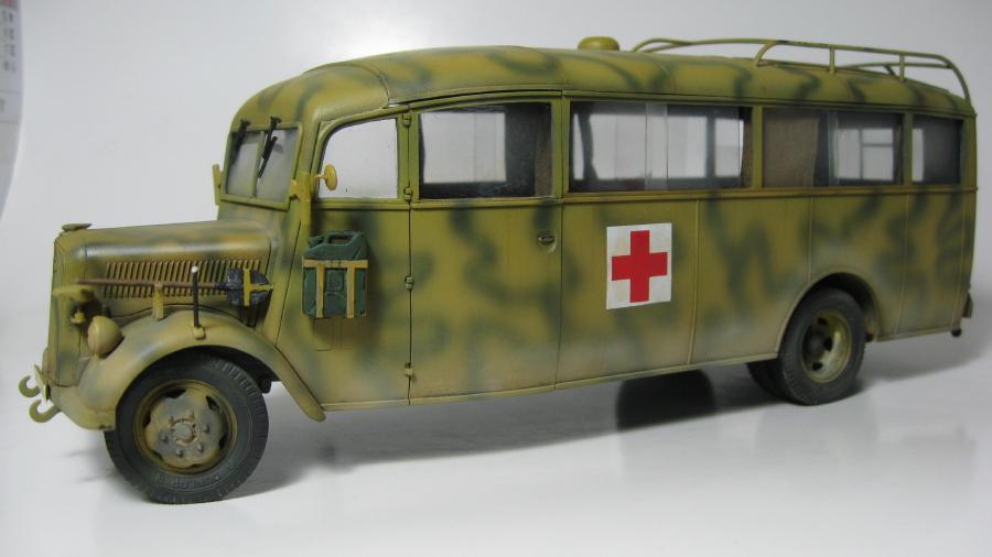 Opel Blitz 3.6-47 omnibus (terminé) IMG_6385_4_zpsu5aahbez