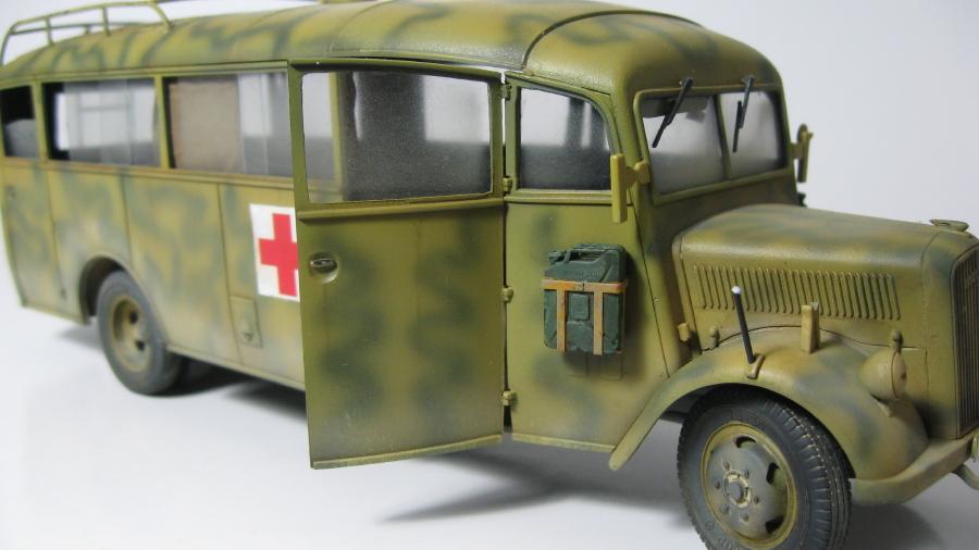 Opel Blitz 3.6-47 omnibus (terminé) IMG_6390_9_zpsaphihkud