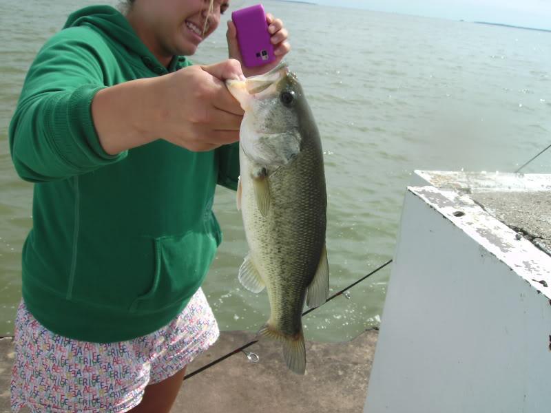 Bass fishing lake erie piers BILD0045-1