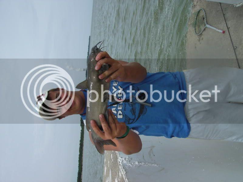 Bass fishing lake erie piers BILD0052