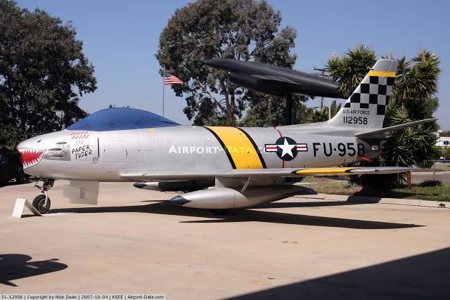 F-86F Sabre - Academy nº 1629 1/72  - FINALIZADO ! 404066_zpsc1e482ca