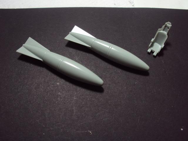 F-86F Sabre - Academy nº 1629 1/72  - FINALIZADO ! DSC03785_zpsc10f33cc