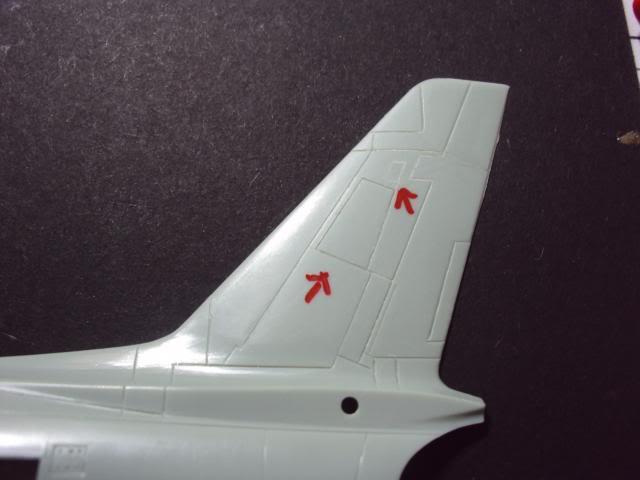 F-86F Sabre - Academy nº 1629 1/72  - FINALIZADO ! DSC03791_zpseabb9c73