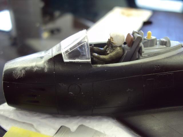 F-86F Sabre - Academy nº 1629 1/72  - FINALIZADO ! DSC05005_zps86dbc438