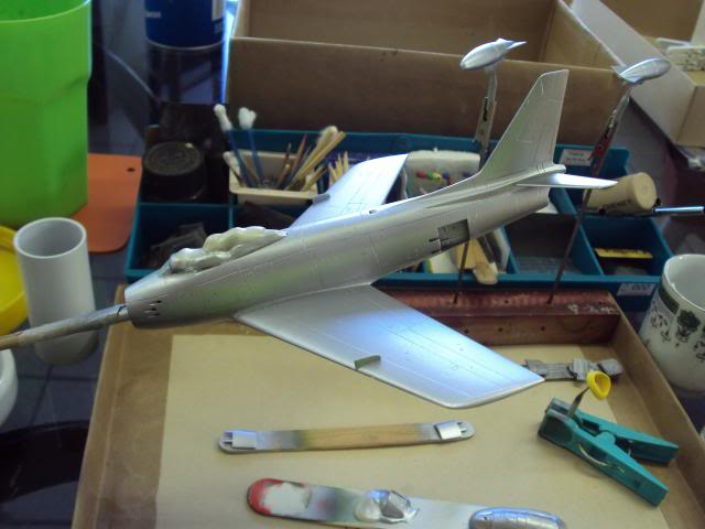 F-86F Sabre - Academy nº 1629 1/72  - FINALIZADO ! DSC05165_zpse558f701