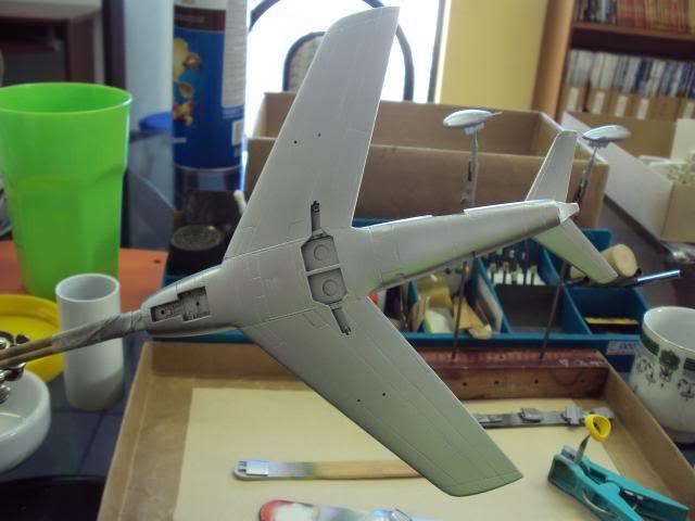 F-86F Sabre - Academy nº 1629 1/72  - FINALIZADO ! DSC05170_zpsa9e3b5ea