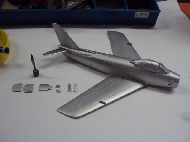 F-86F Sabre - Academy nº 1629 1/72  - FINALIZADO ! DSC05226_zps287740c8