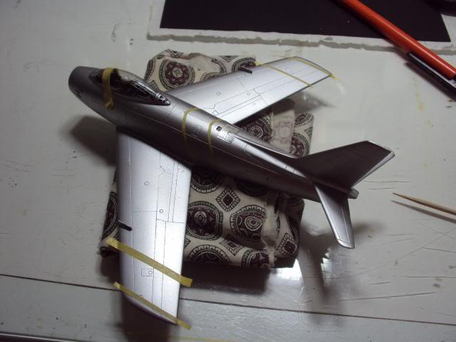 F-86F Sabre - Academy nº 1629 1/72  - FINALIZADO ! DSC05285_zps24f85166