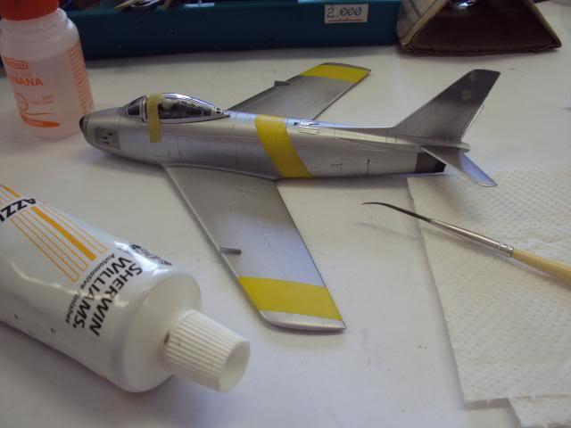 F-86F Sabre - Academy nº 1629 1/72  - FINALIZADO ! DSC05374_zps34510084