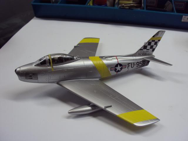 F-86F Sabre - Academy nº 1629 1/72  - FINALIZADO ! DSC05439_zpscb9564cf