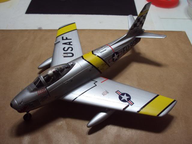 F-86F Sabre - Academy nº 1629 1/72  - FINALIZADO ! DSC05465_zpsd9caf8e2