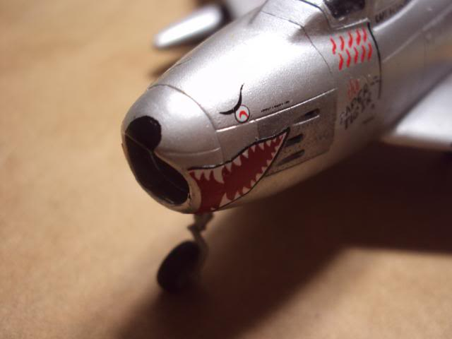 F-86F Sabre - Academy nº 1629 1/72  - FINALIZADO ! DSC05467_zpsc8ea5630