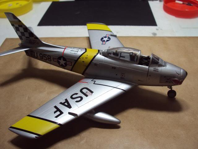 F-86F Sabre - Academy nº 1629 1/72  - FINALIZADO ! DSC05473_zps77c4c297